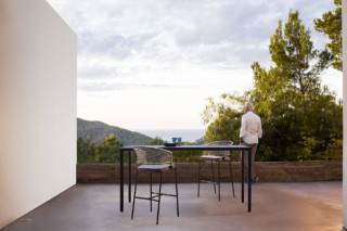 Illum bar table  by  Tribù