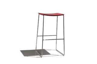 Lineal bar stool  by  Andreu World