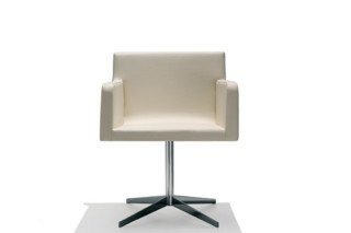 Lineal Comfort swivel armchair  by  Andreu World