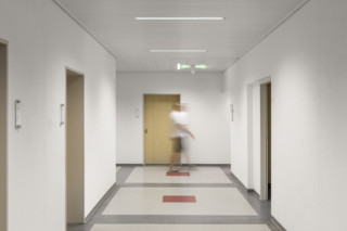 LMD F30 TIPmotion® Suspended Fireproof Ceiling  by  Lindner Group
