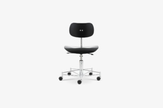 SBG 197 R Swivel Chair  by  Wilde + Spieth