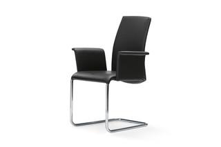 2063-I Luma with armrests  by  DRAENERT