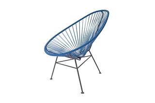 Acapulco Chair Classic Azul Rey  von  ACAPULCO DESIGN