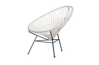 Acapulco Chair Classic Blanco-Negro  von  ACAPULCO DESIGN