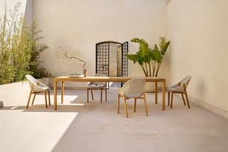 Illum teak dining table  by  Tribù