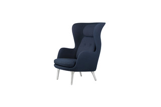 RO™ Chair  by  Fritz Hansen