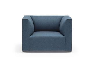 Grand Raglan armchair  by  Andreu World