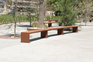 Manta Flat Curve bench without back rest  by  CYRIA