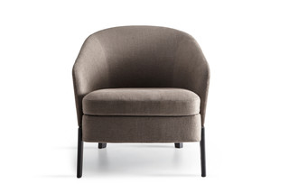 Chelsea armchair low  by  Molteni&C