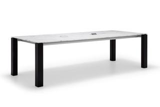 Extra Tisch mit Marmor-Tischplatte  von  Andreu World