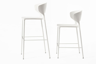 Koki bar stool  by  Desalto