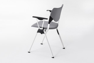 GATE SOFT SQUARE CHAIR  von  Mara