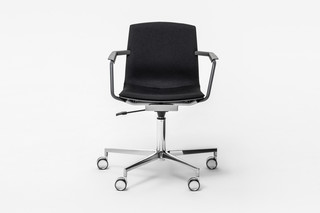 MIA SWIVEL CHAIR  von  Mara