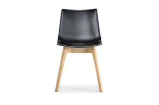 Nava four-legged chair  by  Girsberger