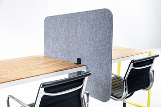 BuzziTripl Desk Split  by  BuzziSpace