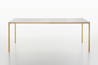 Fila table  by  Plank