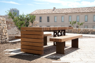 Migration picnic table  by  CYRIA