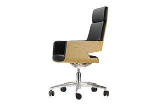 S 845 DRWE  by  Thonet