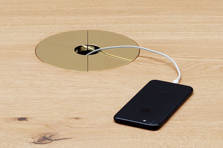 Kabelmanagement für Tische  von  e15