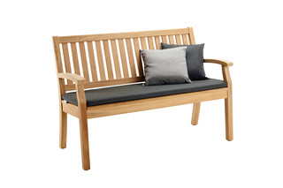 Windsor bench  by  solpuri