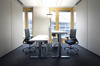 Sitz-Steh-Tische  von  Gumpo