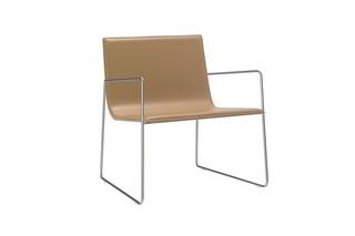 Lineal Sessel mit Armlehnen  von  Andreu World