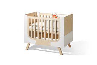Famille Garage bed  by  Richard Lampert