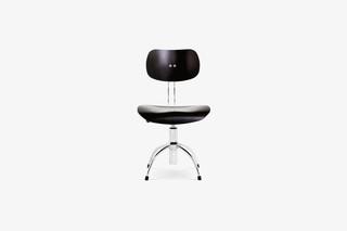 SE 40 Swivel Chair  by  Wilde + Spieth