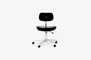 SNG 197 Swivel Chair  by  Wilde + Spieth