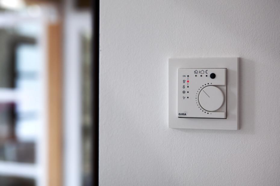 E2 continuous controller