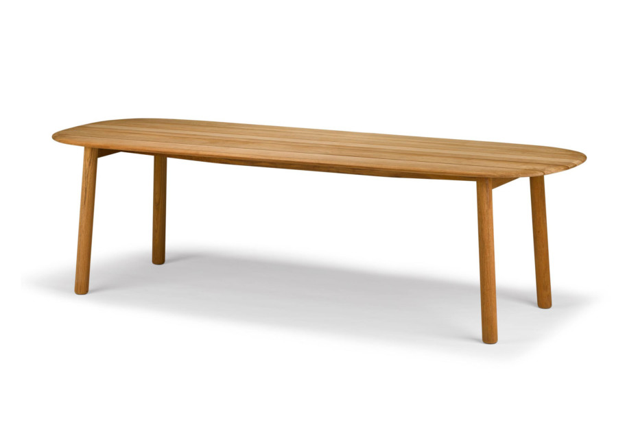 MBRACE dining table