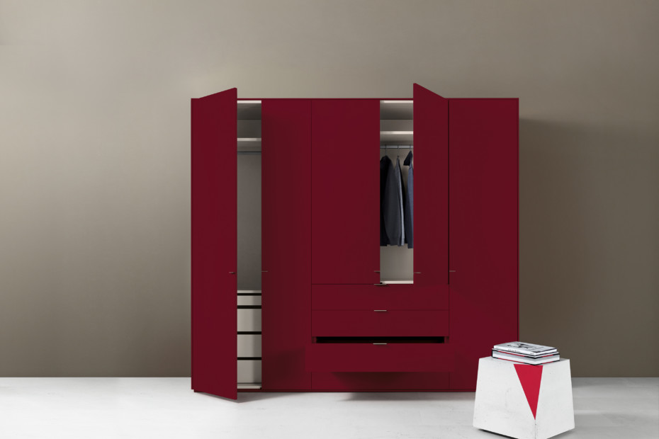 Line cabinet