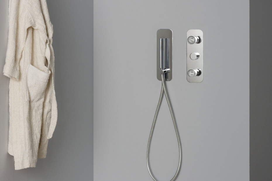 Nude shower system