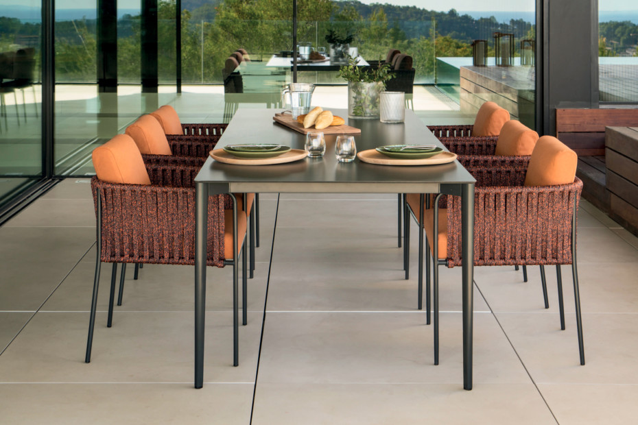 Nude rectangular dining table C133