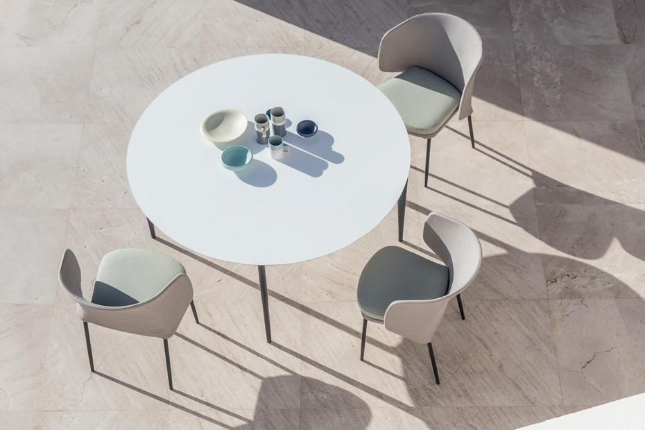 Nude Runder Tisch C138