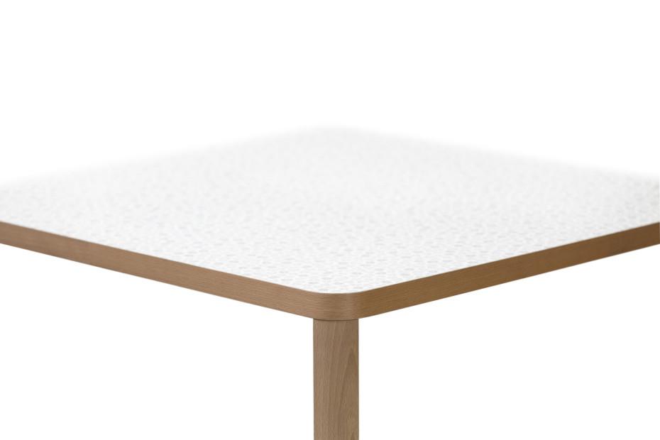 Santiago 02 table