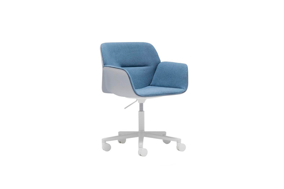 Nuez Chair with castors and swivel base