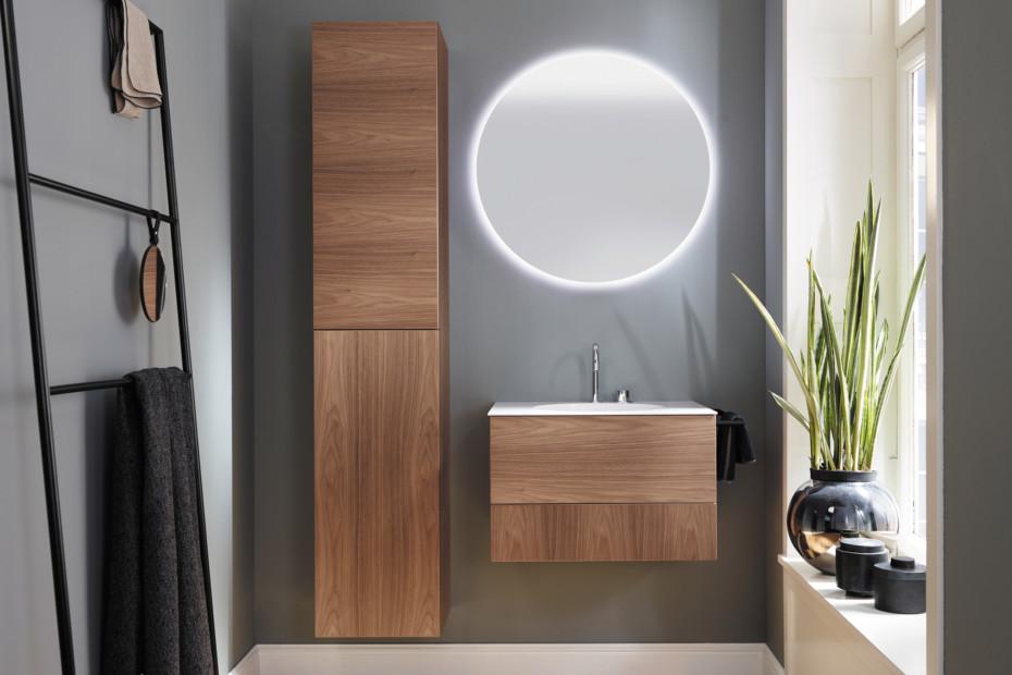 Coco Leuchtspiegel mit umlaufende LED-Beleuchtung und Lichttemperatur-Steuerung