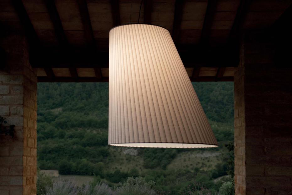 Cone pendant lamp
