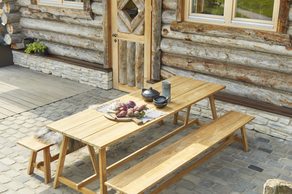 Country dining table