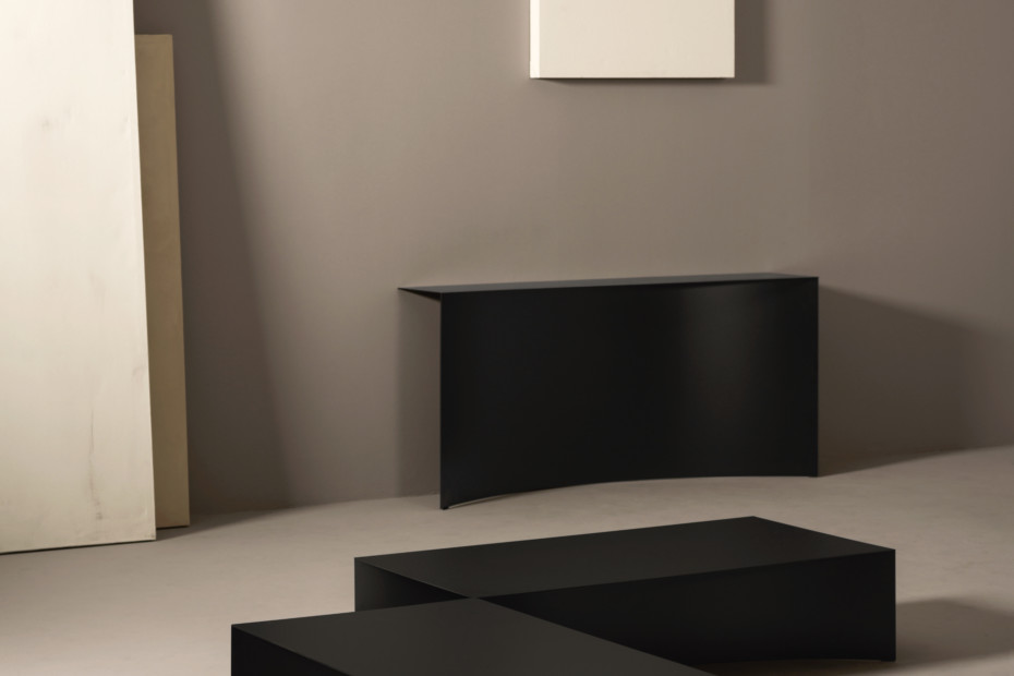 Void wall console
