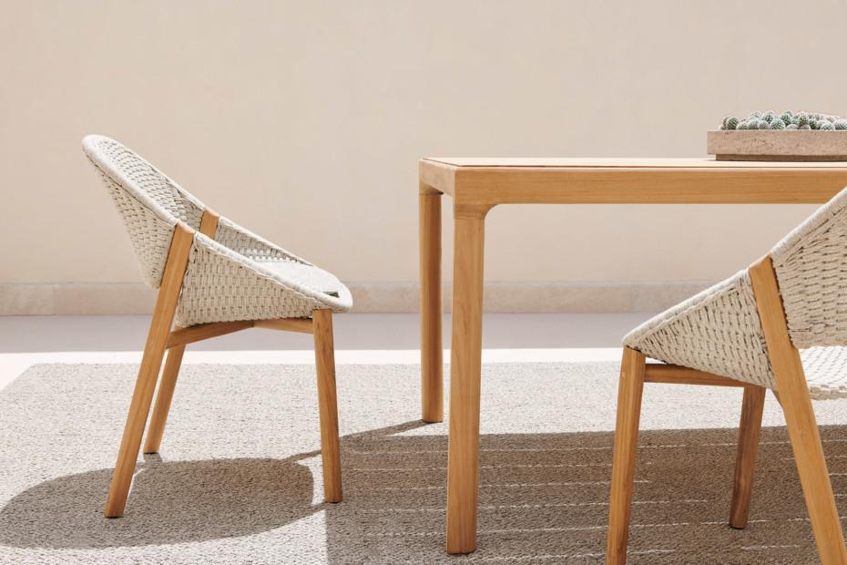Elio armchair