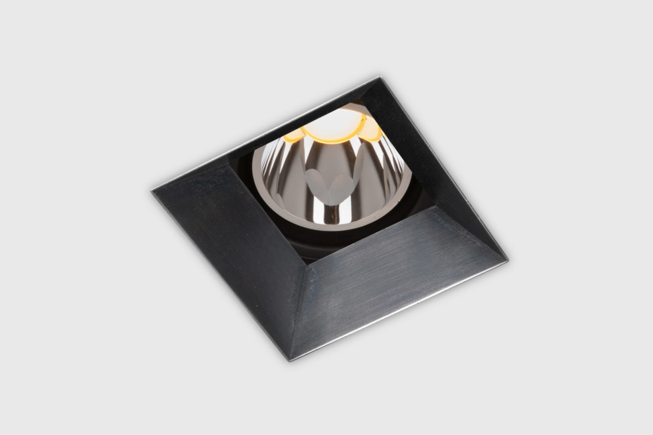 Down in-Line 80 downlight