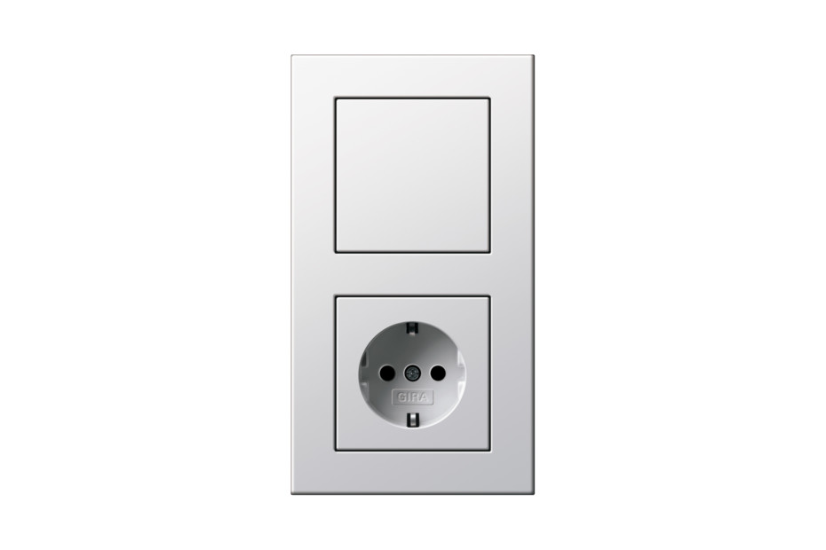 E22 switch/socket outlet