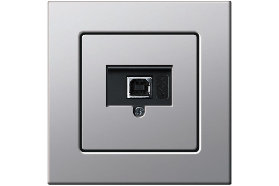 E22 USB outlet