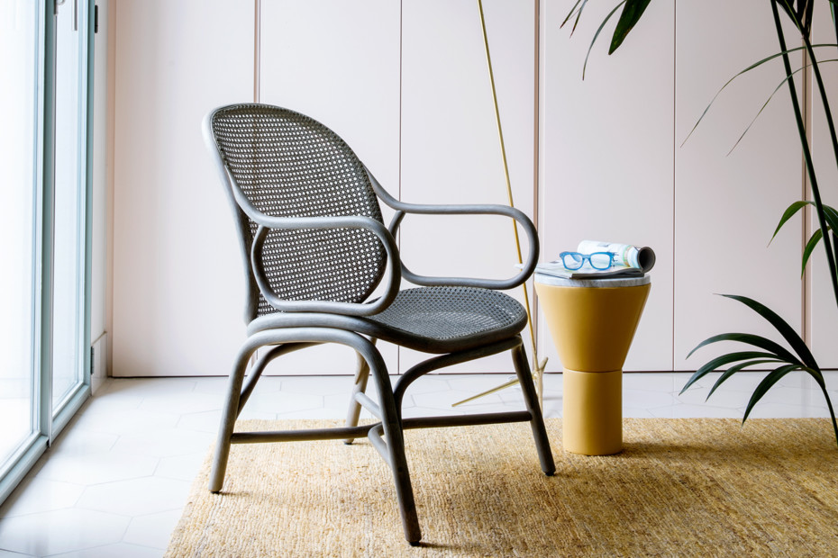Frames low backrest armchair with rattan legs T051 R