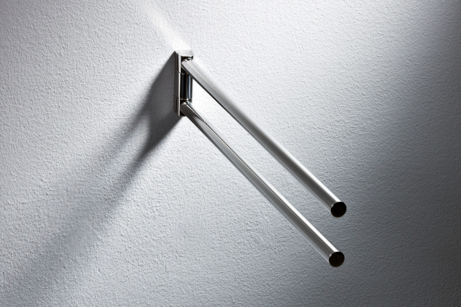 Towel rail finish - chrome