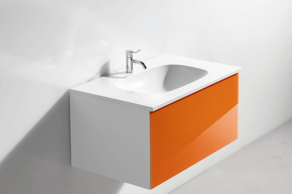 Washbasin prepared for single hole mixer tap
