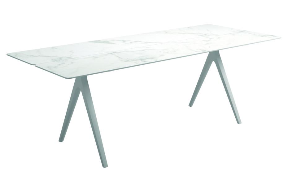 Split outdoor table