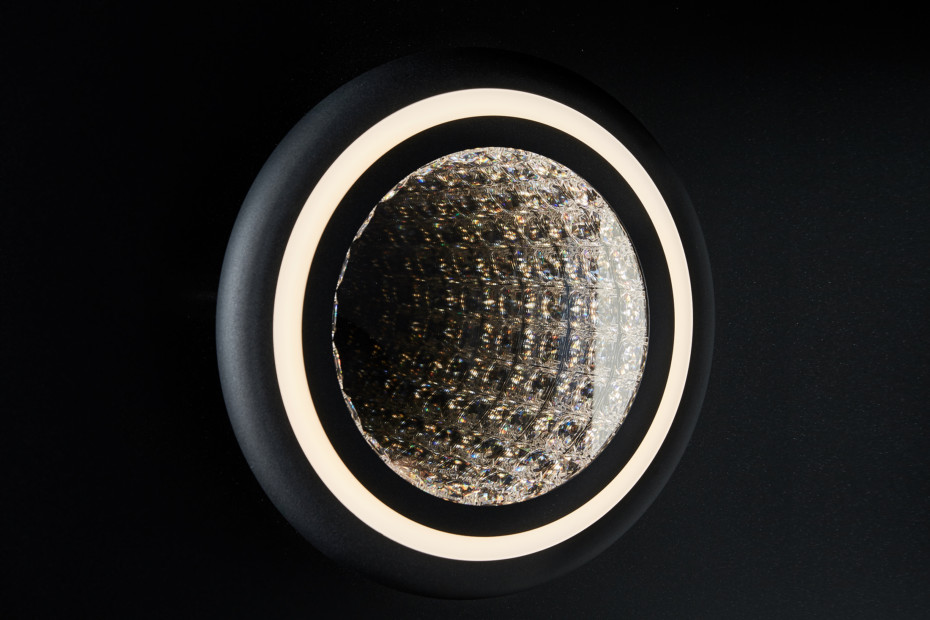 INFINITE AURA wall/ceiling light